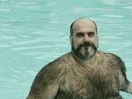 頭が薄くて髭が濃い